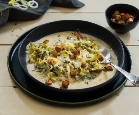 Käse-Lauch-Suppe mit Tofuwürfeln