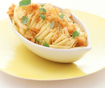 Käse-Spaghettini mit Knoblauch-Croûtons