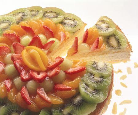 Käsesahne-Torte mit Früchten