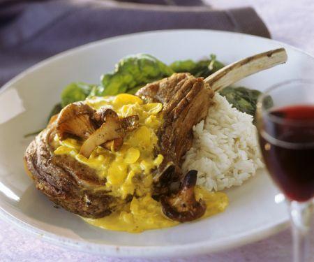 Kalbskoteletts mit Currysauce