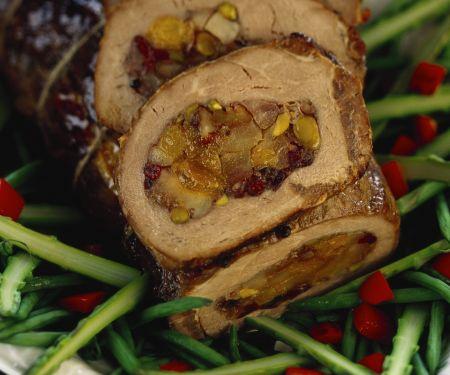 Kalbszungenbraten mit Trockenfrüchte Füllung