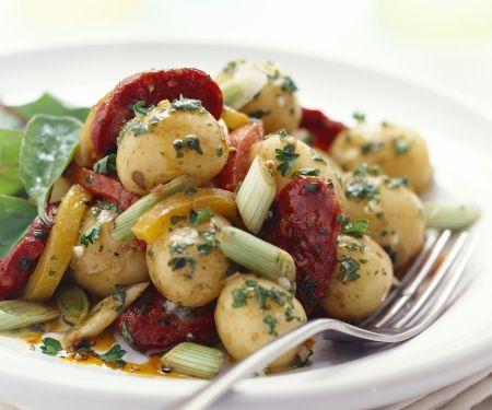 Kartoffel-Chorizo-Salat mit Lauchzwiebeln