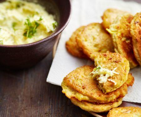 Kartoffel-Kohlrabi-Küchlein mit Apfel-Rettich-Salat