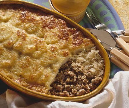 Kartoffelgratin mit Hackfleisch und Sauerkraut