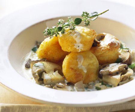 Kartoffelmuffins mit Pilzsoße