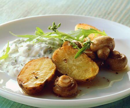 Kartoffeln mit Champignons im Ofen gebacken