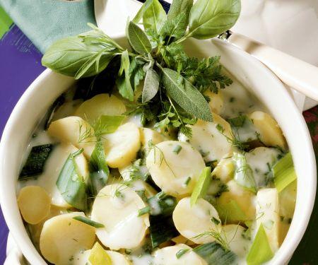 Kartoffeln und Lauch und Béchamelsoße