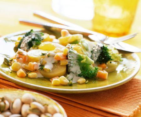 Kartoffelsalat mit Brokkoli und Pistazien