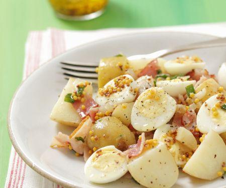Kartoffelsalat mit Speck, Wachteleiern und Senfvinaigrette