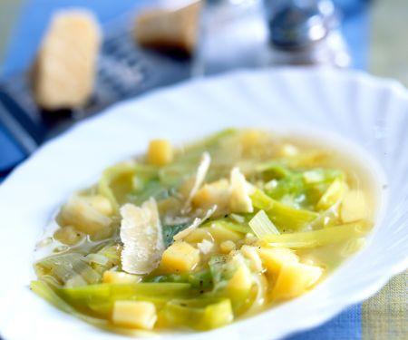 Kartoffelsuppe mit Lauch und Käse