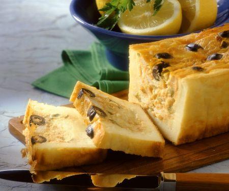 Kartoffelterrine mit Kabeljau und Oliven