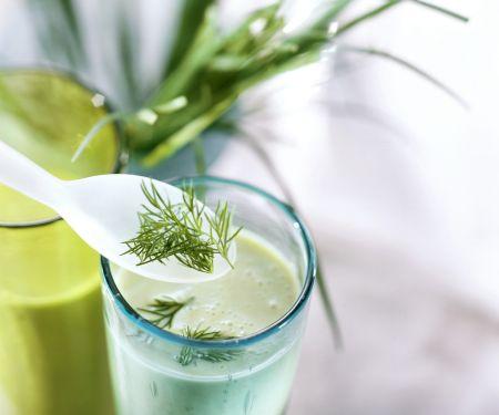 Kefir-Avocado-Shake mit Kräutern