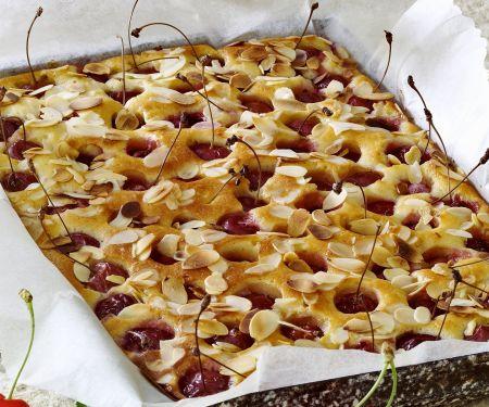 Kirschenkuchen mit Mandeln