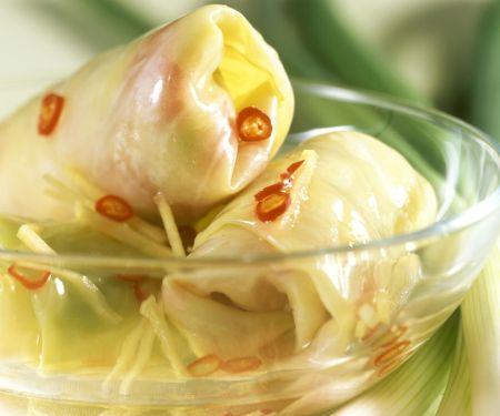 Kohlröllchen auf chinesische Art mit Ingwer und Chili