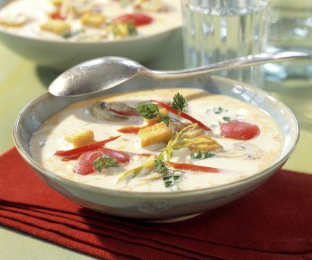 Kokos-Ingwer-Suppe mit gebratenem Tofu