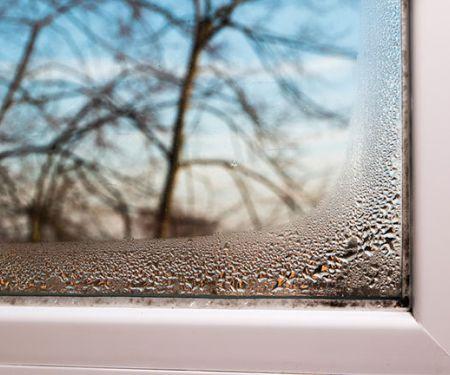 Kondenswasser am Fenster