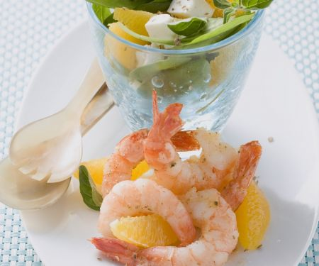Krabbensalat mit Orangen, Spinat und Feta