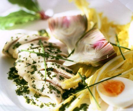 Kräuterhähnchenbrust mit Salat