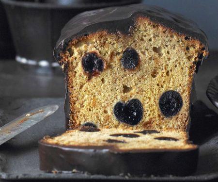 Kuchen mit Amarenakirschen