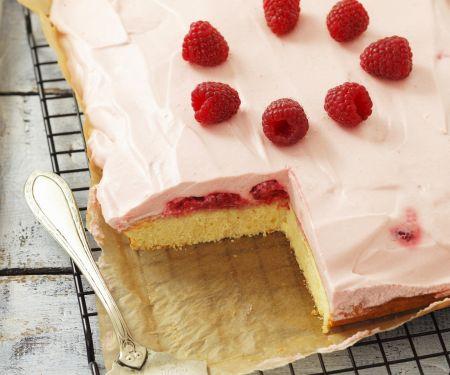 Kuchen mit Himbeercreme