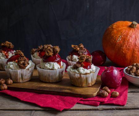Kürbis-Haselnuss-Cupcakes mit Zwetschgen