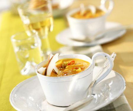 Kürbis-Kokos-Suppe mit Chili