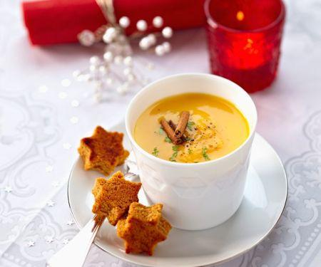 Kürbiscreme mit Orange, Zimt und Lebkuchen