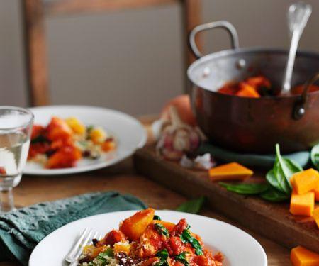 Kürbisgemüse mit Hähnchen und Couscous