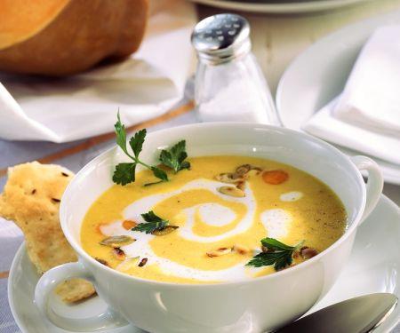 Kürbissuppe mit Curry und Sahne