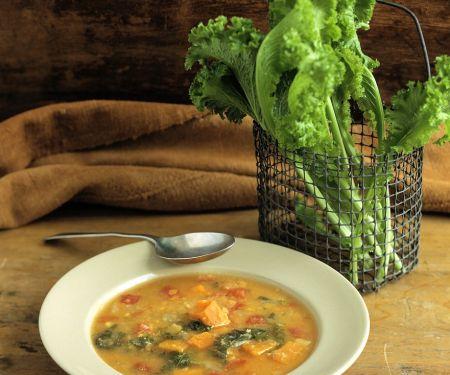 Kürbissuppe mit Grünkohl