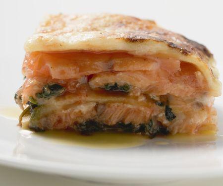 Lachs-Lasagne mit Basilikum