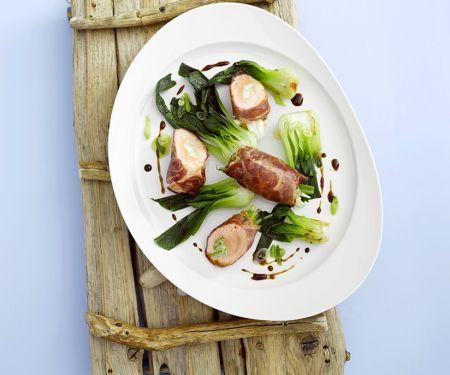 Lachs-Pancetta-Röllchen und Mangold