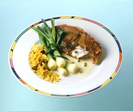 Lammkoteletts mit Frühlingszwiebeln und Curryreis