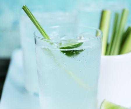 Limettendrink mit Zitronengras