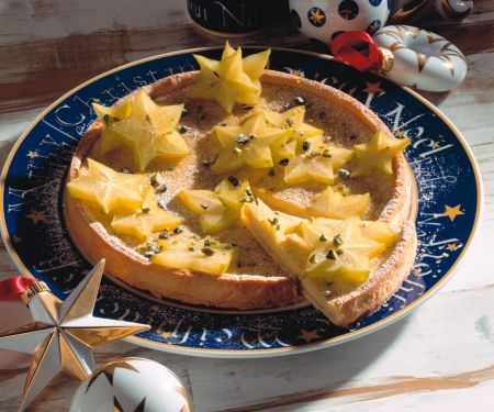 Limettentarte mit Sternfrucht