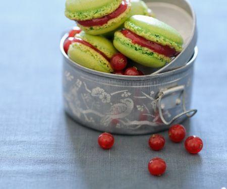 Macarons mit Konfitüre