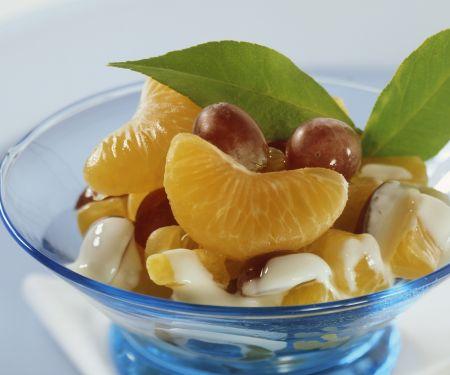 Mandarinen und Trauben mit Quarksoße