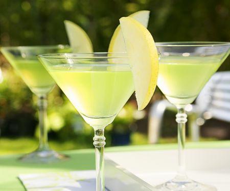 Martini-Cocktail mit Apfel