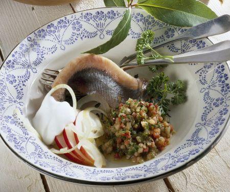 Matjes mit Kartoffeln und Speck-Dip