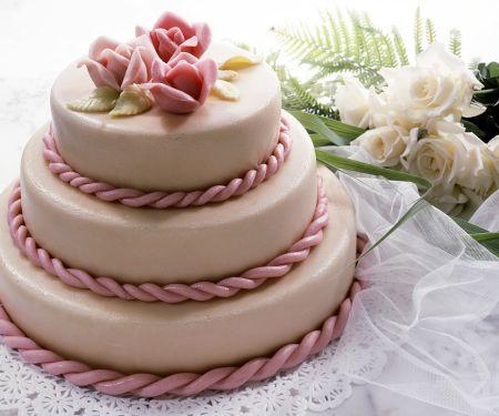 Mehrstöcktige Hochzeitstorte