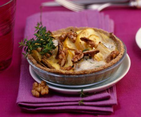 Mini-Chicoréetörtchen mit Apfel, Walnüssen und Blauschimmelkäse