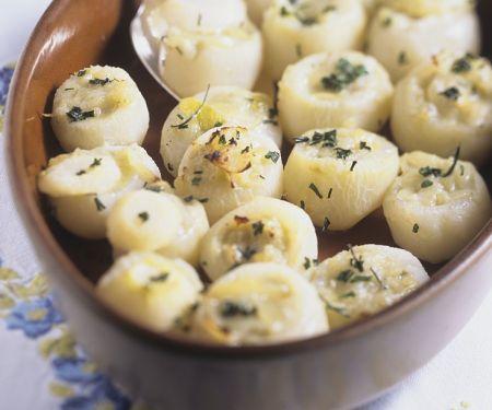 Mit Roquefort gefüllte Navetten