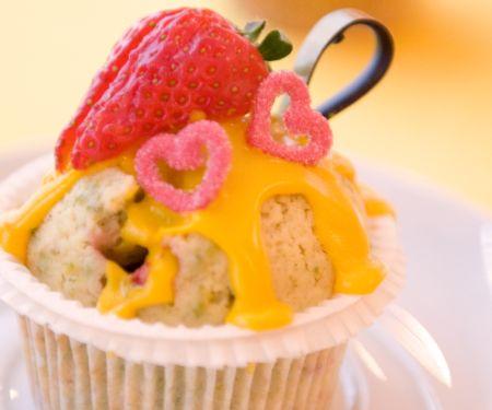 Muffins mit Erdbeeren und Eierlikör