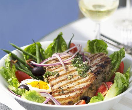 Nizza Salat mit Thunfischsteak