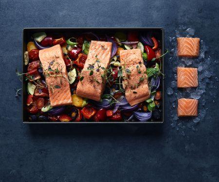 Norwegischer Lachs auf Gemüse