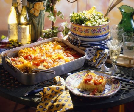 Nudelauflauf mit Tomaten und Brät
