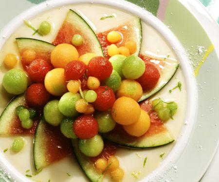 Obstsalat aus verschiedenen Melonen