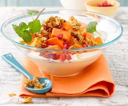 Fruchtig: Obstsalat mit Papaya und Granatapfel