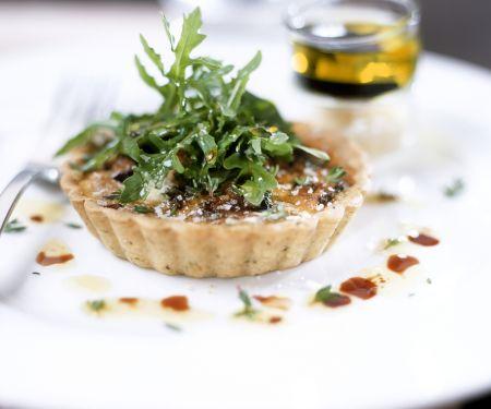 Olivenküchlein mit Rucola