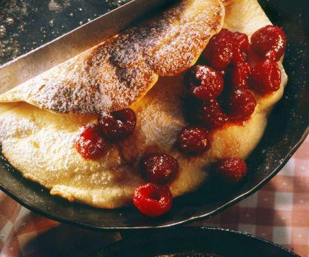 Omelett mit Himbeeren